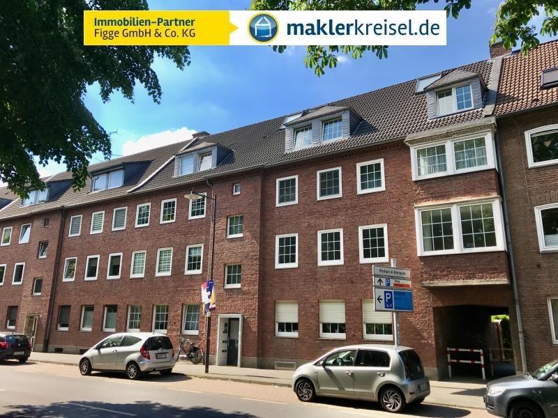 Charmante und modernisierte Altbauwohnung mit Balkon in exponierter Lage von Kempen!